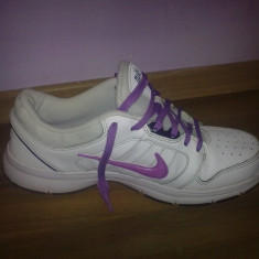 Adisasi NIKE alb cu mov - Adidasi dama Nike, Marime: 37