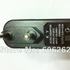 Incarcator 5V - 2A pentru tablete, telefoane mobile, MP3 playere, PDA-uri etc., De priza