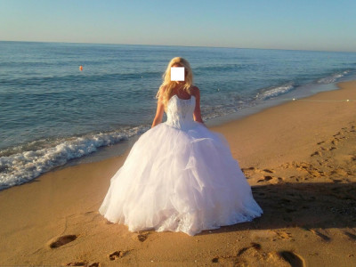vand rochie de mireasa stil princess superba foto
