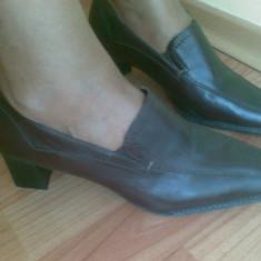 Pantofi din piele firma BATA marimea 40, sunt noi! - Pantof dama Bata, Culoare: Maro, Maro, Cu toc