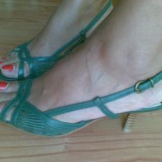 Sandale din piele marimea 38,sunt  noi!