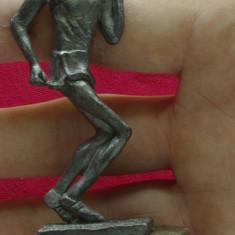 Statueta sport - sportiv - alergator din metal ( cositor ) pe suport de lemn !!!! - Metal/Fonta