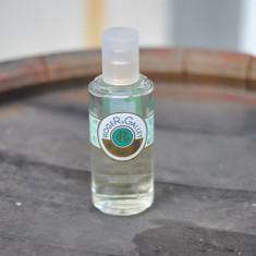 VETYVER de ROGER GALLET / EAU FRECHE / FLACON DE 100 ML RAMAS CAM 50 ML - Parfum femeie, Apa de parfum
