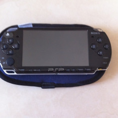 Vand PSP Sony 2004 + 5 jocuri originale + card memorie + husa