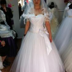 Vand rochie de mireasa.tip printesa, alba, noua...este tip corset cu snur la spate, Rochii scurte de mireasa