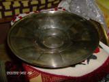 Tava frumoasa metal argintat, Vase