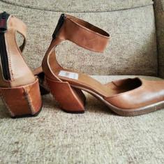 Pantofi din piele, tip ciocata, model deosebit!! - Pantof dama, Culoare: Bej, Marime: 38, Bej