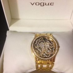 Ceas dama Vogue suflat cu aur si cristale swarovski, Analog