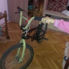 Vand Bicicleta BMX Nespecificat, Numar viteze: 1, Otel, Negru, Curbat(Risebar)