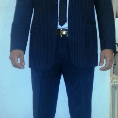 Costum HUGO BOSS 100% original - Costum barbati Hugo Boss, Marime: 48, 3 nasturi, Marime sacou: 48