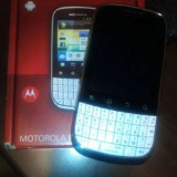 Motorola Fire XT311 - Telefon Motorola, Alb, Neblocat, Single core, 256 MB, 2.8''