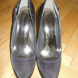 Vand pantofi de ocazie