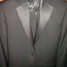 Costum mire sau ceremonii(tuxedo) slim fit, stofa de calitate MARCO CAPELLI, folosit o data, pot oferi si camasa+papion+brau