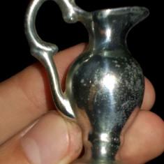 AuX: Miniatura carafa veche, de colectie, din metal! - Miniatura Figurina