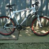 Bicicleta KTM - Mountain Bike Nespecificat, Numar viteze: 21, Aluminiu, Alb, Discuri, Aliaje de aluminiu