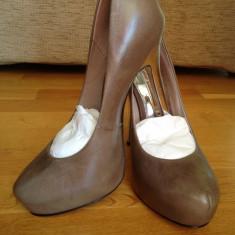 BUFFALO !!!!!! REGINA BALULUI-Pantofi cu platforma NOI Superbi Buffalo Reducere de la 550 Ron!!!! LIVRARE GRATUITA!!! - Pantof dama Buffalo, Culoare: Cappuccino, Marime: 39, Cappuccino, Marime: 38