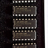 MAX3323EEPE - RS-232 Transceivers for Multidrop Applications, 16 pini DIP