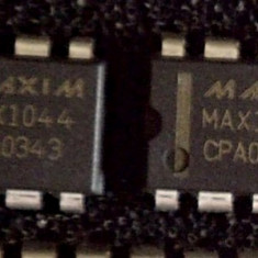 MAX1044CPA - Switched-Capacitor Voltage Converters