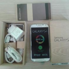 Telefon Mobil Samsung Galaxy S 4, Alb, 16GB, Neblocat, 1500-1799 MHz