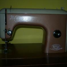 Masina de cusut Ileana - Cugir - fabricatie 1960