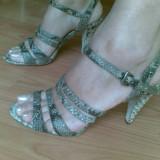Sandale din piele firma BOUTIQUE 9 marimea 39,arata impecabil! Precizez ca au si talpa din piele!