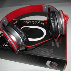 CASTI Dr DRE SOLO HD PROFESIONALE Rosu Monster Beats by Dr. Dre, Casti On Ear, Cu fir, Mufa 3, 5mm
