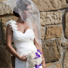 Vand rochie de mireasa, marimea 36, culoare ivory, model unicat sirena 2012!