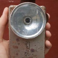 AuX: Veche lanterna metalica, ruseasca, pe baterii, de colectie, marca Vitebsk!