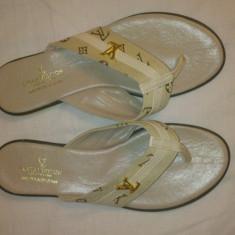 Papuci Louis Vuitton - Slapi dama Louis Vuitton, Culoare: Crem, Marime: 36, 37, 38, Crem, Marime: 36