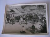 REDUCERE 60 LEI!!! RARITATE!!! FOTOGRAFIE 9X12 CM CU DR.PETRU GROZA SI GENERALUL EMIL BODNARAS DIN ANII 40, Portrete, Romania 1900 - 1950