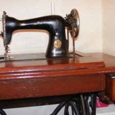 Masina de cusut Singer, serie Y din 1926, mecanism Simanco, cu pedala, functionala