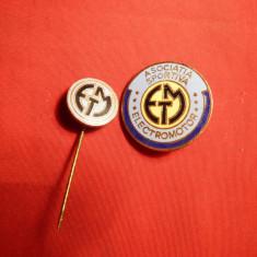 2 Insigne vechi Asociatia Sportiva Electromotor - Insigna fotbal