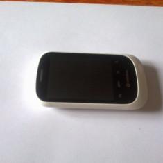 Vodafone 858 - Telefon mobil Vodafone, Alb, Single SIM, Dual core, 128 MB