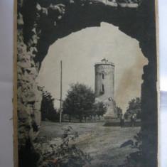 REDUCERE 20 LEI!!! FOTOGRAFIE PE CARTON DIN 1941 CU TURNUL CHINDIEI TARGOVISTE, Cladiri, Romania 1900 - 1950