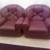 Set canapea+ 2 fotolii piele rosie, Din piele ecologica
