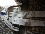 Vand costum Apache indian, Combinezoane