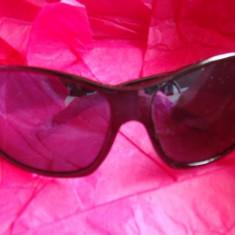Ochelari soare stare impecabila, Femei, Negru, Curbati, Plastic, Protectie UV 100%