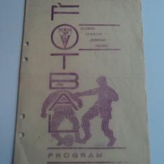 Program meci fotbal PETROLUL Ploiesti - CRISUL Oradea 20.10.1968