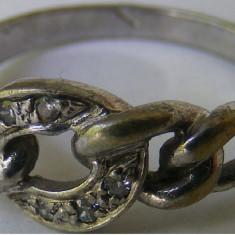 Inel vechi din argint cu 6 pietre albe - de colectie