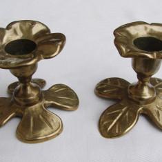 Set de doua sfesnice din alama - Metal/Fonta