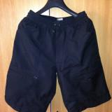 Pantaloni scurti Nike.S