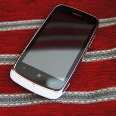 Nokia 610, Alb, 8GB, Neblocat