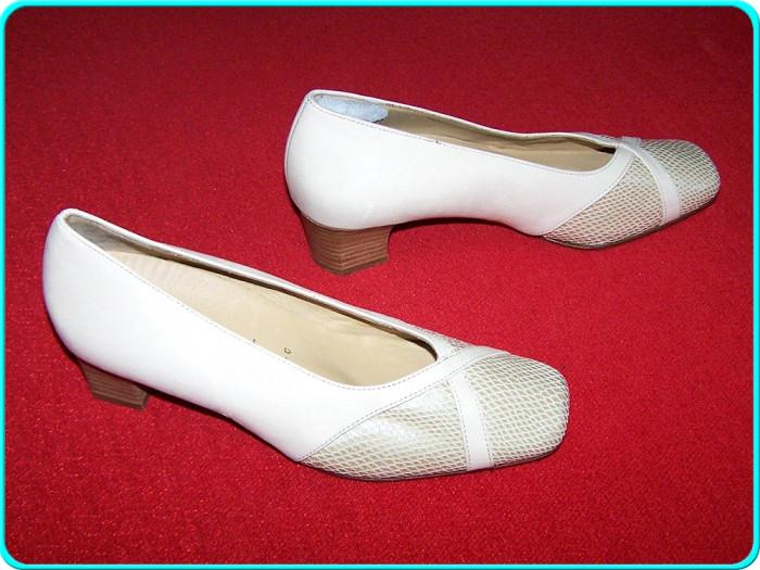 - NOI, FOARTE COMOZI - Pantofi dama, piele moale, marca HASSIA _ femei | nr. 37,5 | interior 25 cm | toc 4 cm _ - rezervat foto mare