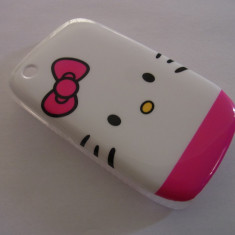 Husa alba Hello Kitty blackberry 8520 curve - Husa Telefon Blackberry, Plastic, Carcasa