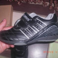 Adidasi pentru fete, mar 27, 17, 5 cm NOI - Adidasi copii, Culoare: Negru
