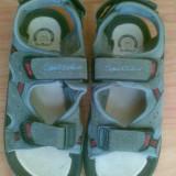 Sandale din piele marimea 35,sunt noi!