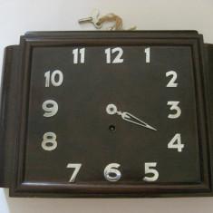 CEAS GERMAN PENTRU PERETE MARCA BAVARIA CU INTOARCERE LA 8 ZILE, DIN ANII 30 - Ceas de perete