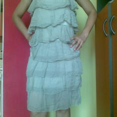 Rochie de zi din matase, cu volanase, marimea M! Arata impecabil!, Marime: 38, Culoare: Bej, Cu bretele
