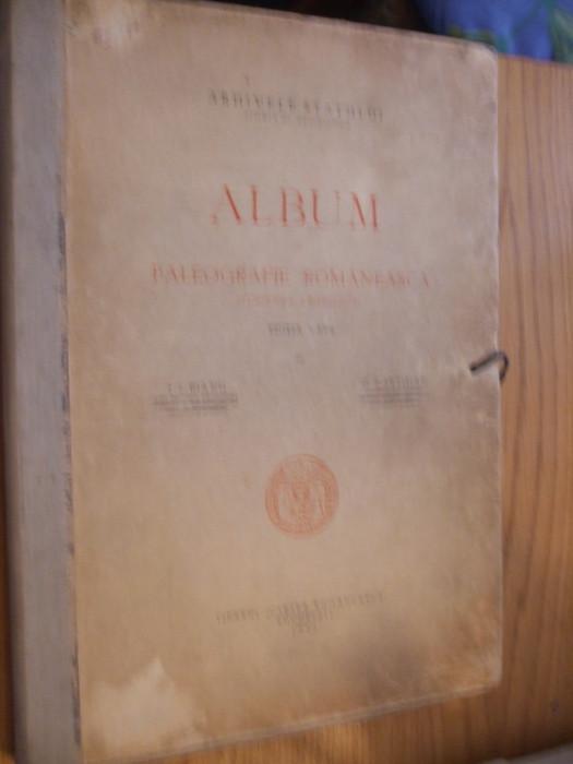 ALBUM DE PALEOGRAFIE ROMANEASCA *( Scriere Chirilica )- Ed.a III -a, I. Bianu, N. Cartojan  --  Arhivele Statului, 1940, contine12 p.+ XLIV  planse