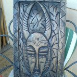 Sculptura basorelief, Lemn